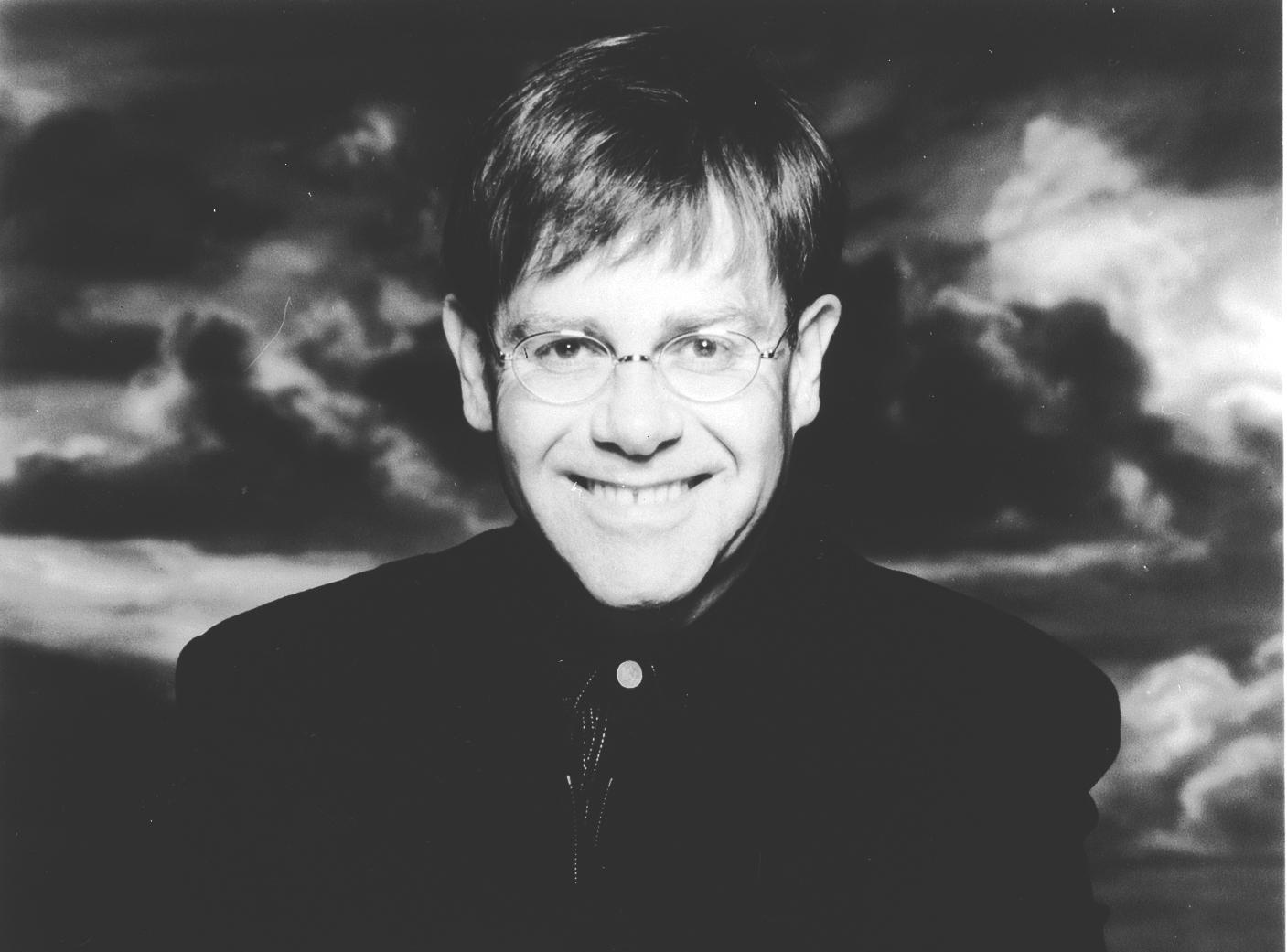 Elton John y los recuerdos infantiles de una vida simple
