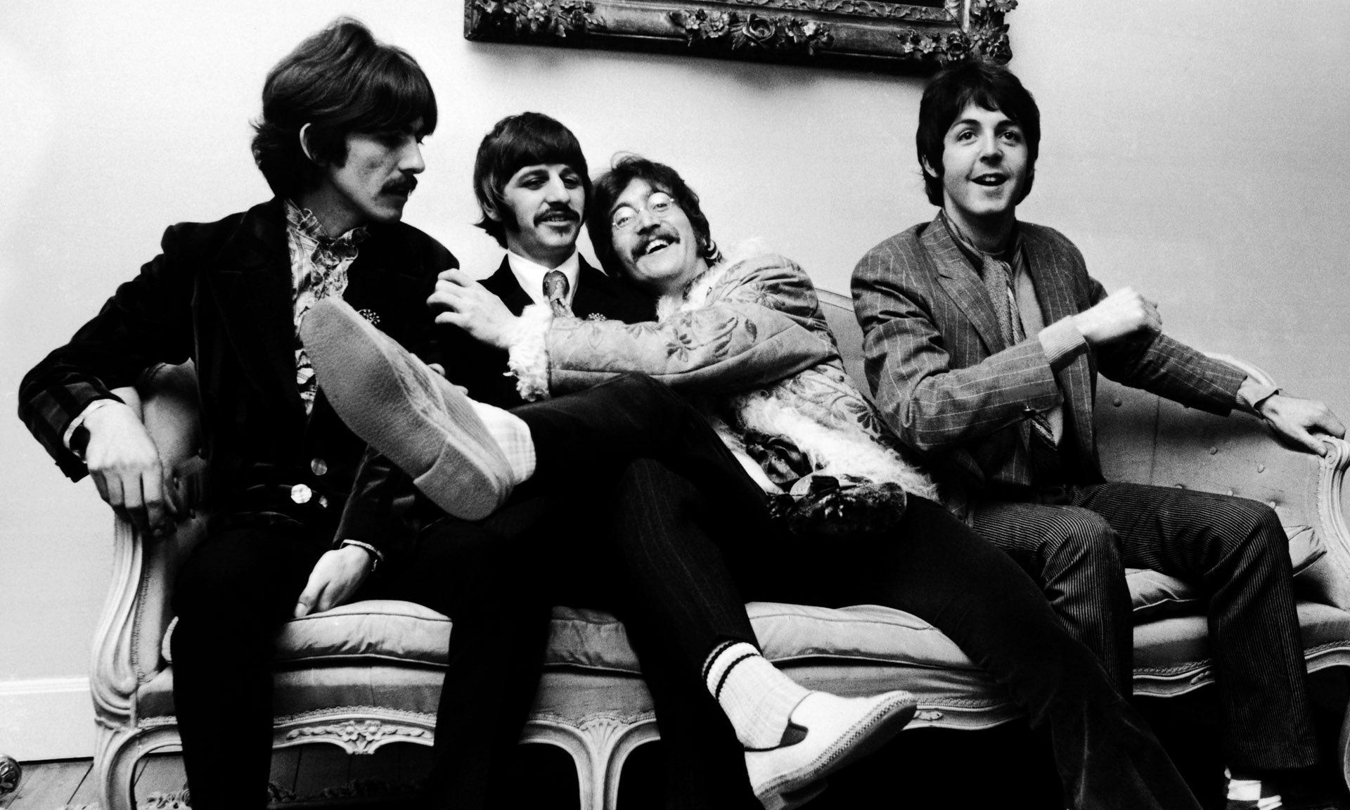 The Beatles estrena toma de Sgt. Pepper's Lonely Hearts Club Band ...