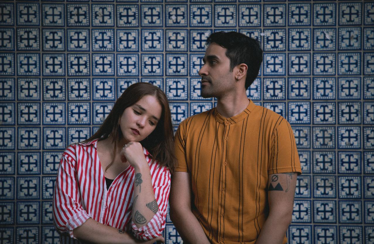 """Pønce estrena""""Perfectos"""" junto a Soy Emilia:  El amor a distancia también puede brillar"""