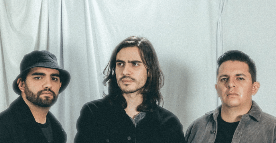 Autocinema, presenta su nuevo EP:  Regrésame