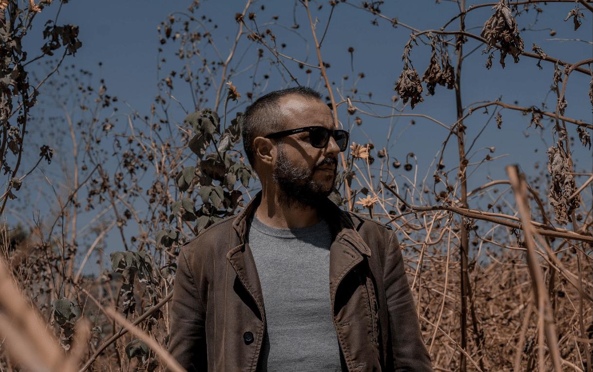 """Javier Miñano presenta """"Malezas"""" canción que cierra su EP Re-evoluciones"""